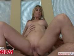 Horny big tits MILF Desi Dalton bangs her former stepson - Naughty America