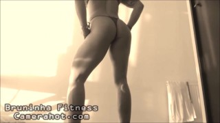 Sexy fit latina on bikini shaking her big ass and strong legs