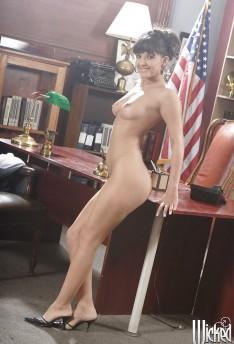 Carmen hart anal