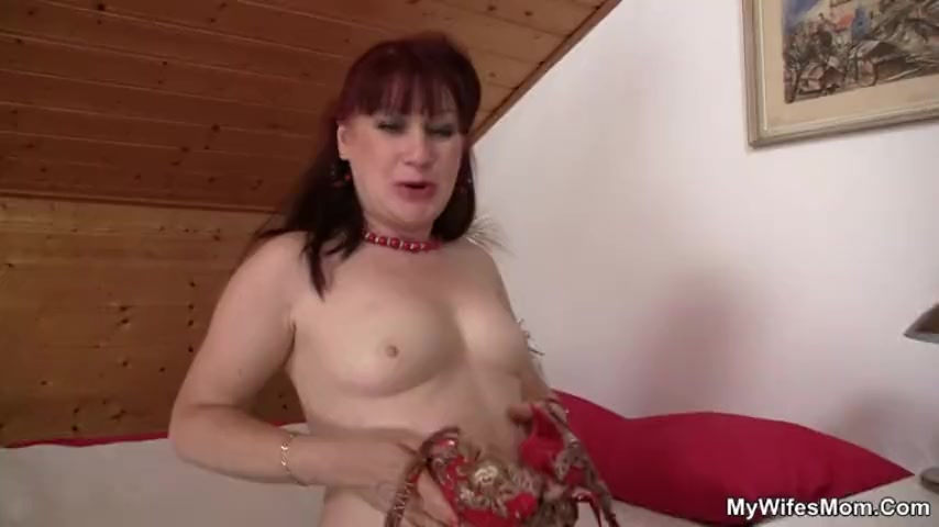 I just found my hubby fucks my mom! !