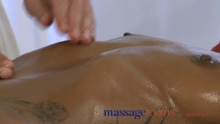 Massage Rooms Black girl orgasms after erotic session