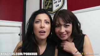 Brazzers - Lesbian cheerleader break in the newgirl