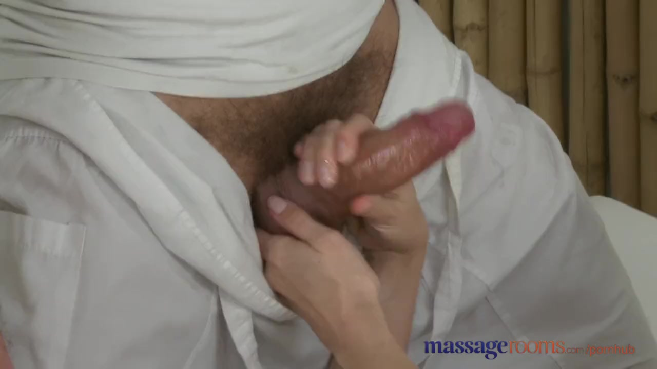 too massage rooms shy sexy brunette squirting