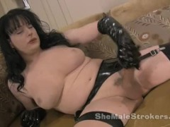 Tiffany Taylor Shemale Tranny Jilling Off with Latex Gloves