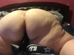 Fat Bbw riding black dildo