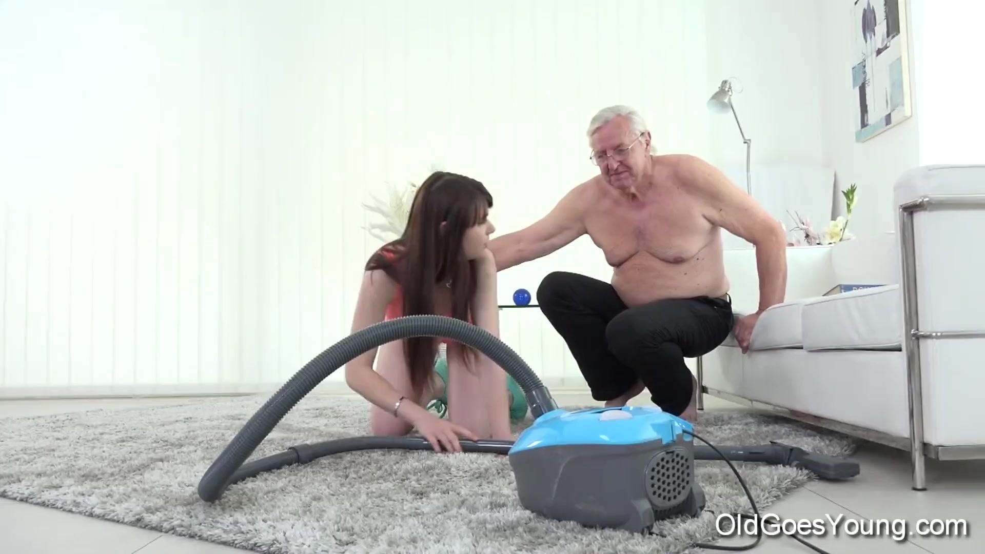 Vaut peine watch ass while blowjob Thats
