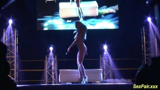 flexi stepmom naked on stage